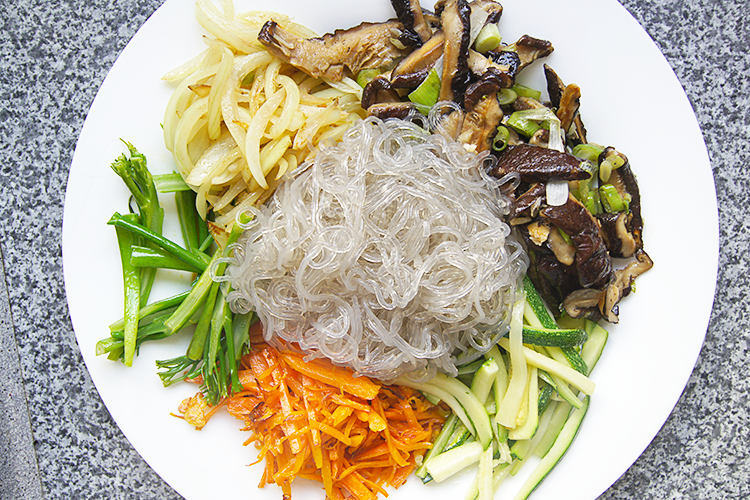 japchae-vegetables-noodles-cooked