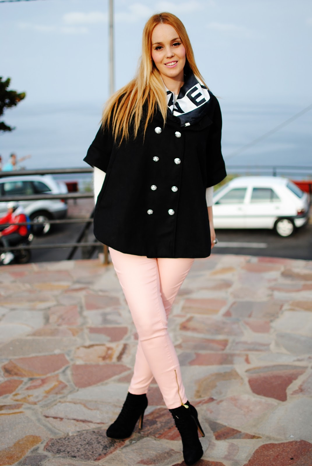 Nery hdez, chanel, cape, thboxes bloggers