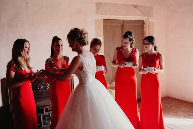 robes demoiselles d'honneur rouges colonne