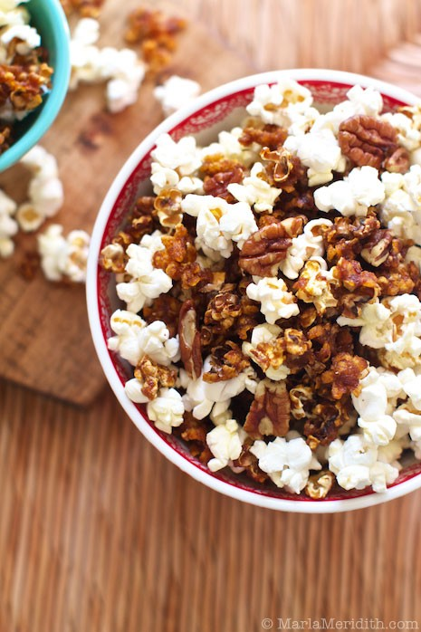 Do you enjoy topping your popcorn with more than just salt and butter? If so, you'll love these savory and sweet popcorn recipes that I've collected. See them all at diy beautify!