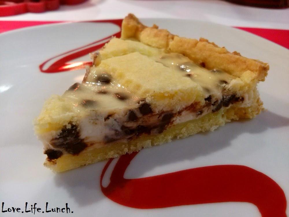 Crostata con crema di ricotta e gocce di cioccolato