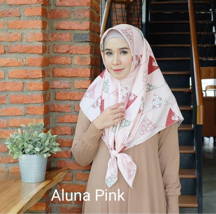 Hijab Jilbab Segi Empat Premium Motif ALUNA Square Maxmara  PINK