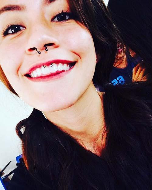 burun ve smiley piercing
