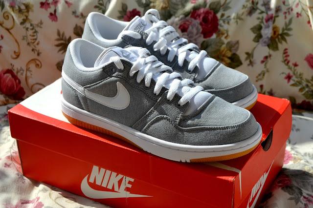 http://www.syriouslyinfashion.com/2016/08/jacamo-nike-court-force-low-sneakers.html