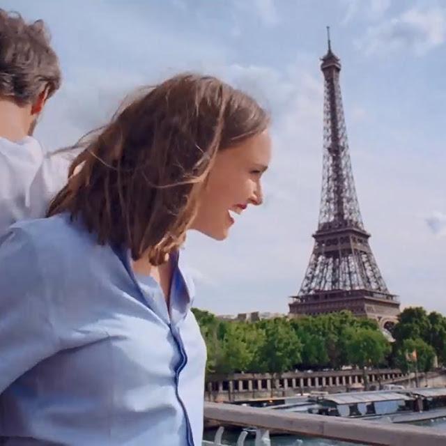 Natalie Portman in Paris Wallpaper Engine