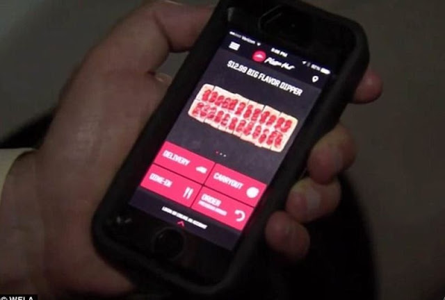 Woman Who Was Held Hostage by Her Boyfriend Used the Pizza Hut App to Get Help!