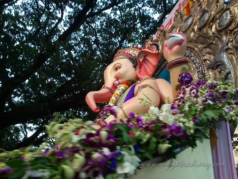 Large Ganesha Ananth Chaturdashi, Ganesh Visarjan, Mumbai