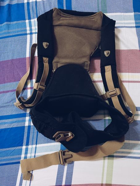 Piccolo baby carrier