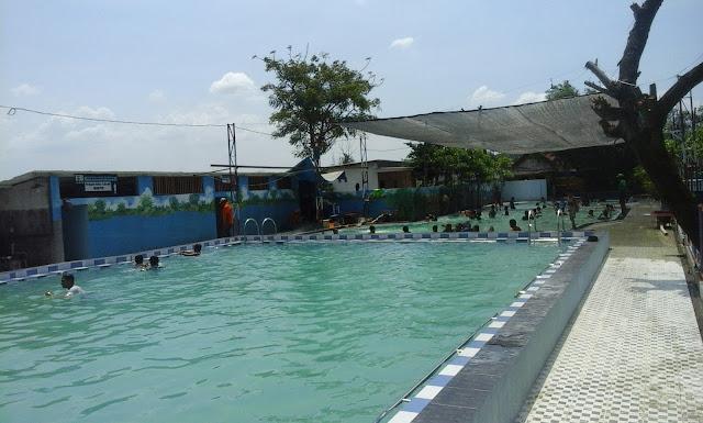 acara berenang di kolam alas prambon sidoarjo