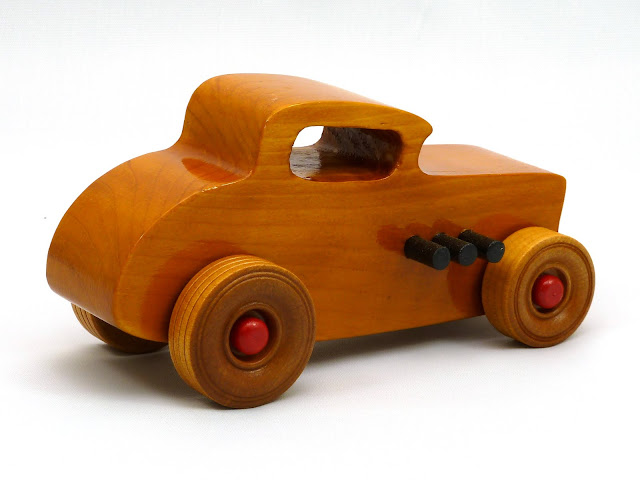 Right Side Rear - Wooden Toy Car - Hot Rod Freaky Ford - 32 Deuce Coupe - Pine - Amber Shellac - Red Hubs