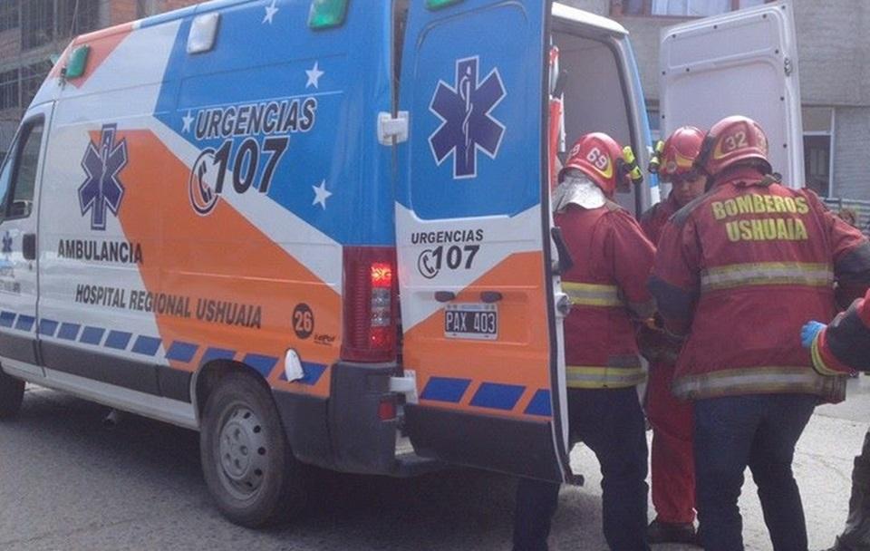 Choque, pelea y conductor al hospital