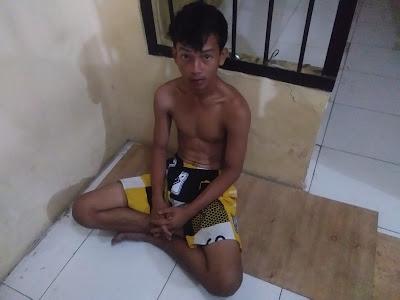 Spesial Pencuri Hanphone ABG ini Babak Belur di Hajar Massa