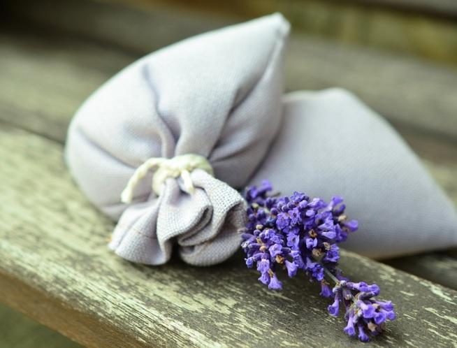 How to make a no-sew lavender sachet
