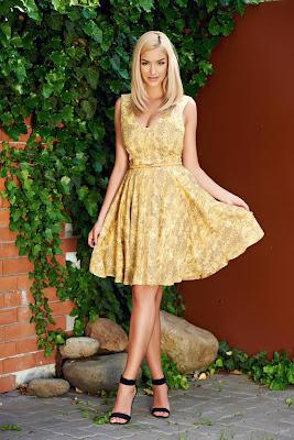 vestidos elegantes amarillos