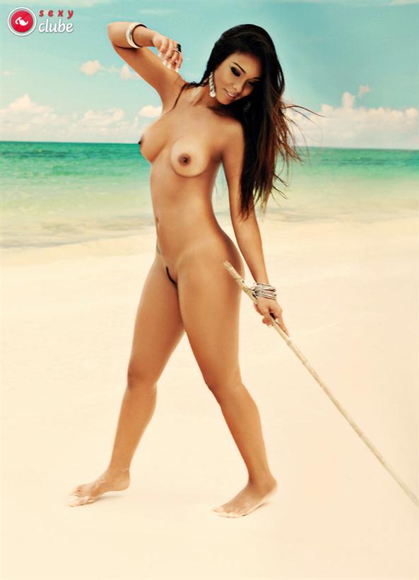Fotos de Carol Nakamura nua pelada na revista sexy 7
