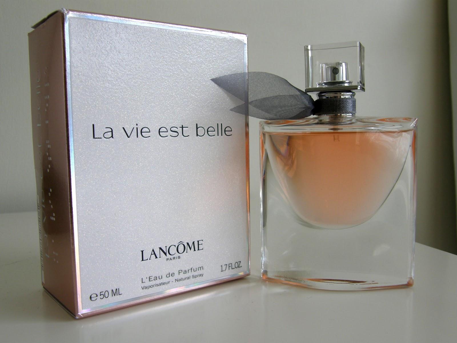 lancome la vie est belle fragrance review emerald eyeliner. Black Bedroom Furniture Sets. Home Design Ideas