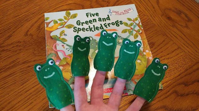 Frog finger puppets made from felt