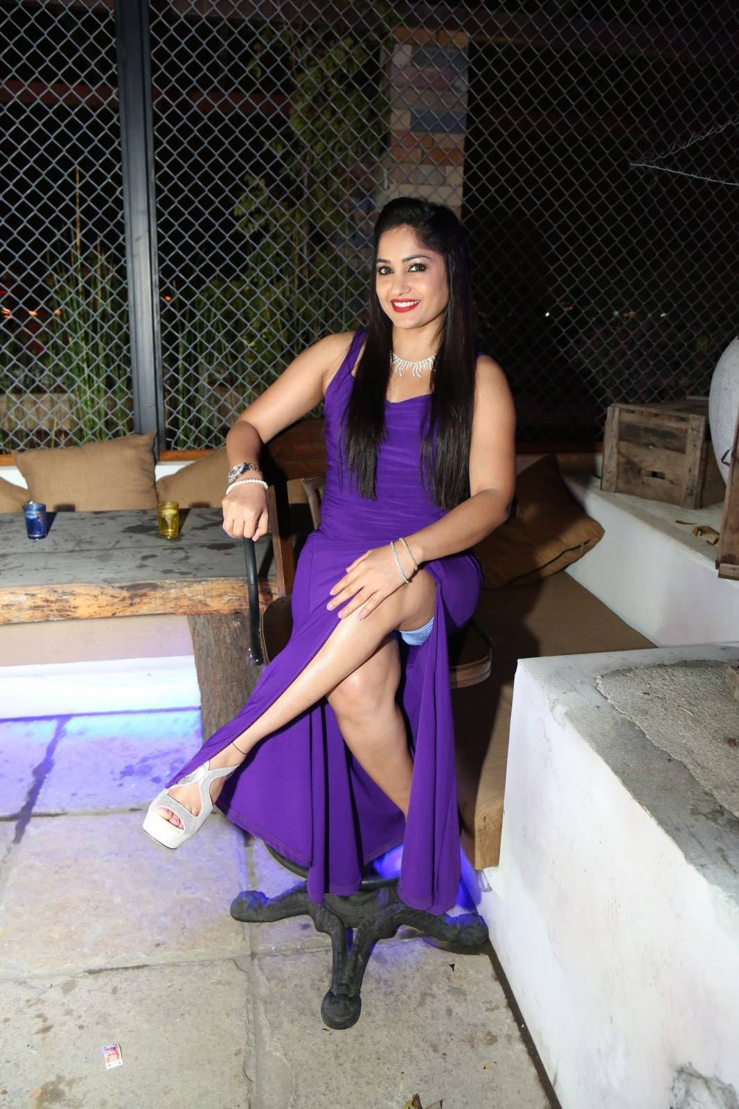 Beautiful Madhavi Latha Hot Thigh Show Photos