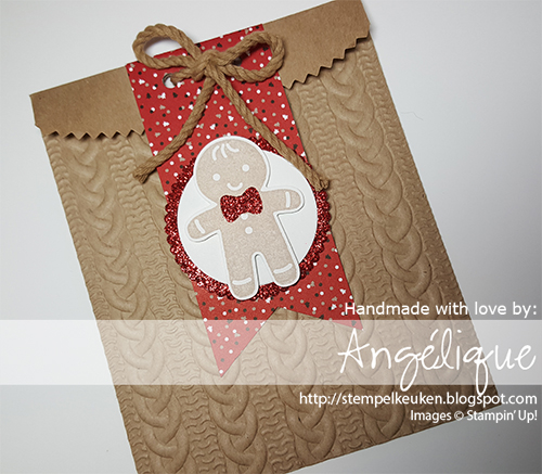 http://stempelkeuken.blogspot.com #CandyCaneLane #CookieCutterChristmas #CableKnit #BigShot #RealRed #CandyCaneLane #TripleBannerPunch #RealRedGlimmerPaper #DIY #Christmas #Banner #Christmas2016 #Kerstmis #Kerst2016 #Kerst #LettersforYou #CrumbCake #Stempelkeuken #SU #StampinUpNL #Stampin'Up! #Stampin'Up!Nederland Meer informatie over Stampin' Up! en het bestellen van de materialen via stempelkeuken@gmail.com of via http://stempelkeuken.stampinup.net