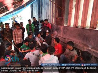 Aksi unjuk rasa yang dilakukan puluhan buruh yang merasa terkena harapan palsu (PHP) dari PT SCG pada Rabu (18/2/2019) kemarin ternya masih berlanjut.