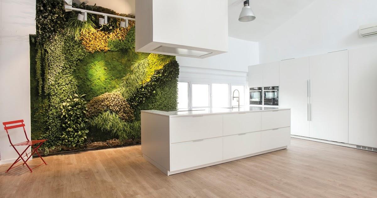 Santos dise a una cocina blanca para el nuevo showroom de - Cocinas diseno barcelona ...