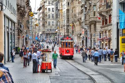 Istiklal Street, Istanbul, Turki