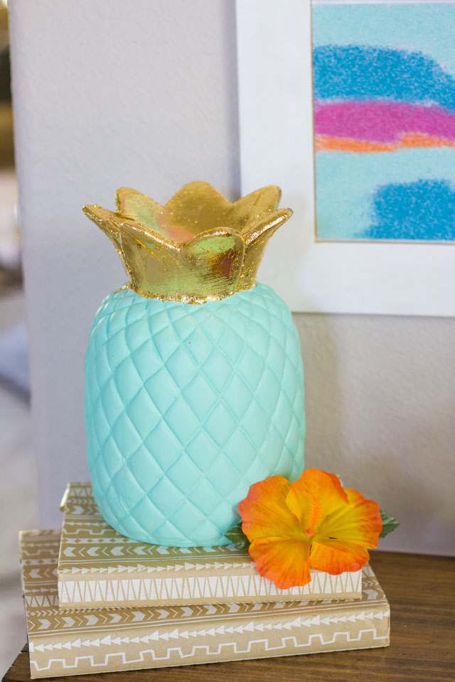DIY ceramic pineapple decor ideas! #pineapplecrafts #summercrafts #diypineapple #goldleafcrafts