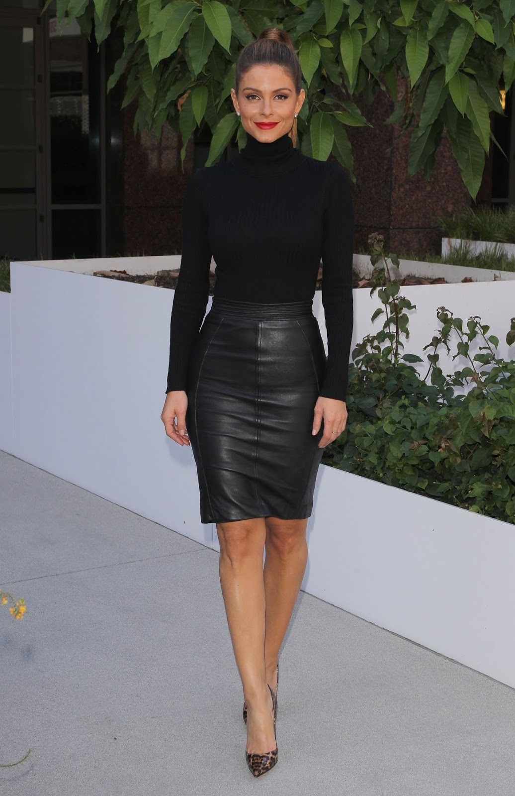 lovely ladies in leather maria menounos in a leather