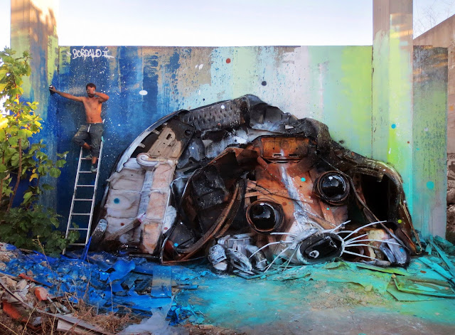Our friend Bordalo II is currently back in Lisbon, Portugal where he just spent a few days working on a brand new street installation.
