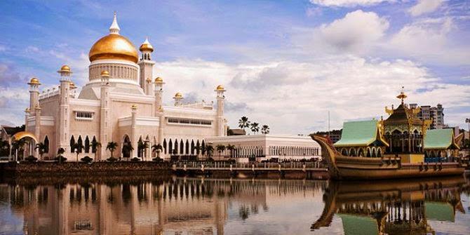 Istana Paling Besar Di Dunia