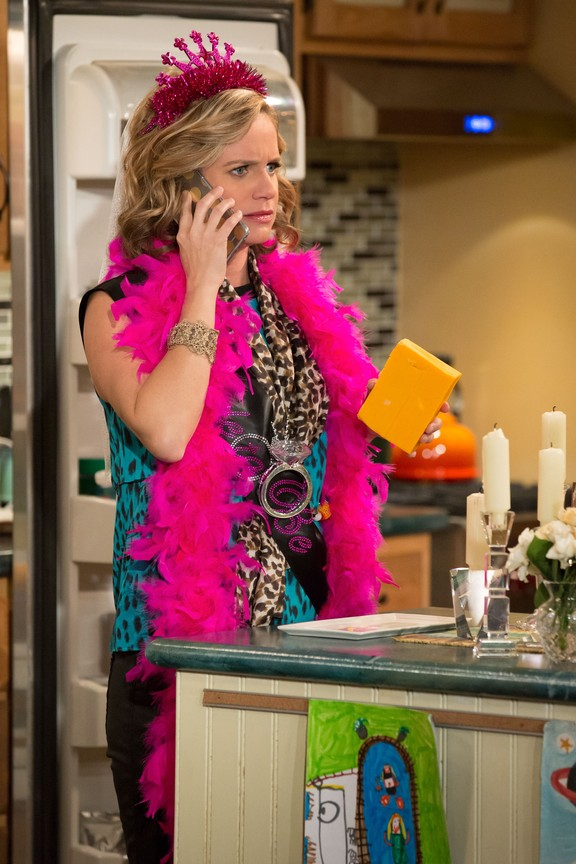 Fuller House - Season 1 Episode 13: Love Is in the Air