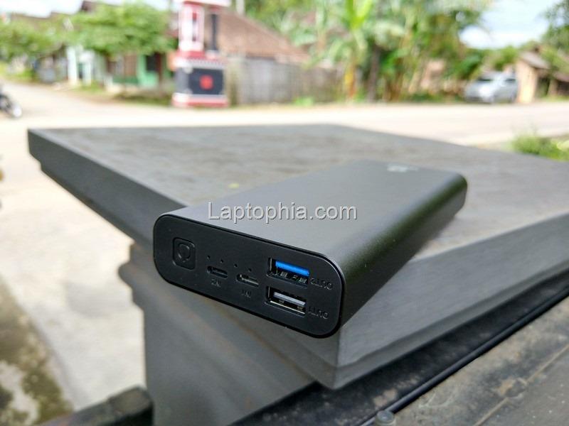 Desain Uneed QuickBox M20 20.000mAh