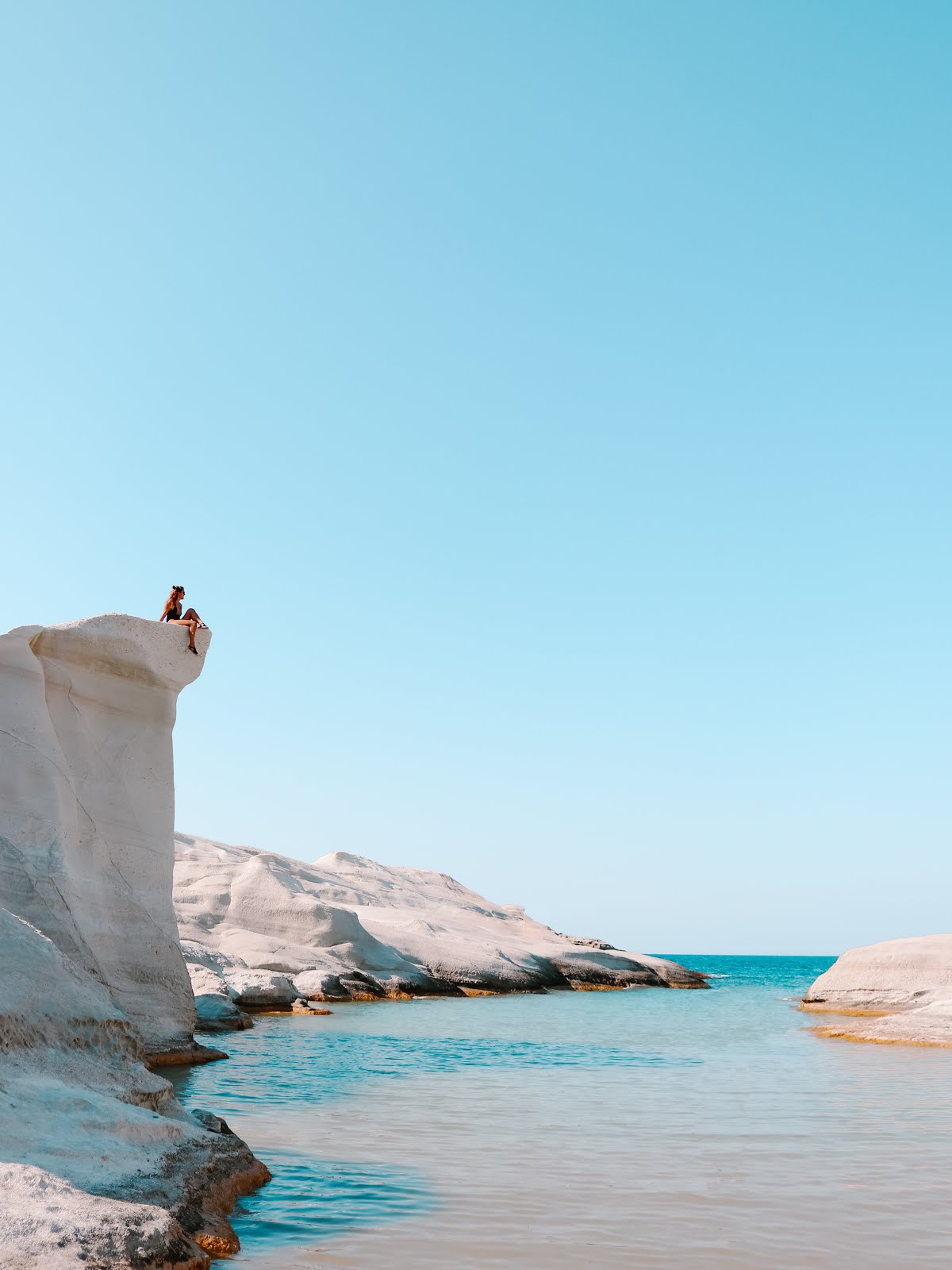 Sarakiniko Beach Cliff in Milos island, Greece