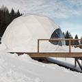 whitepod hotel de cupulas geodesicas en alpes suizos