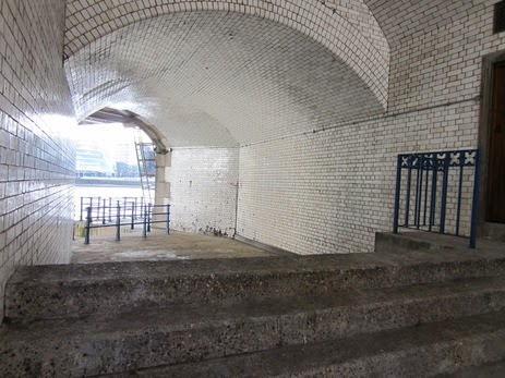 Dead Man's Hole, Tower Bridge - Site of Tower Mortuary