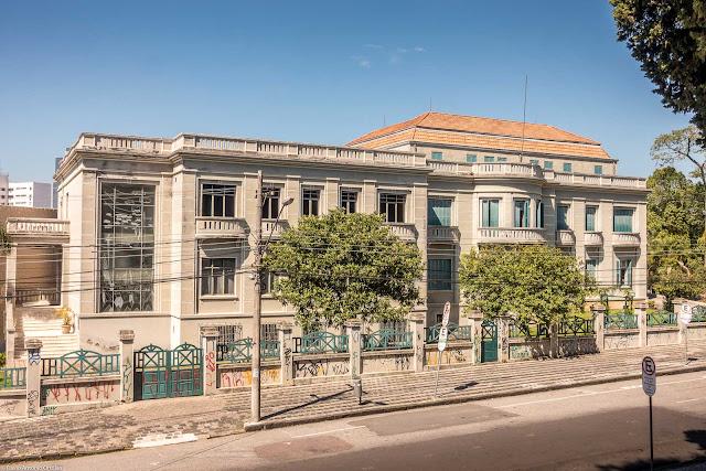 Museu Paranaense - vista da fachada