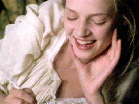 Dangerous Liaisons 1988 movieloversreviews.filminspector.com Uma Thurman