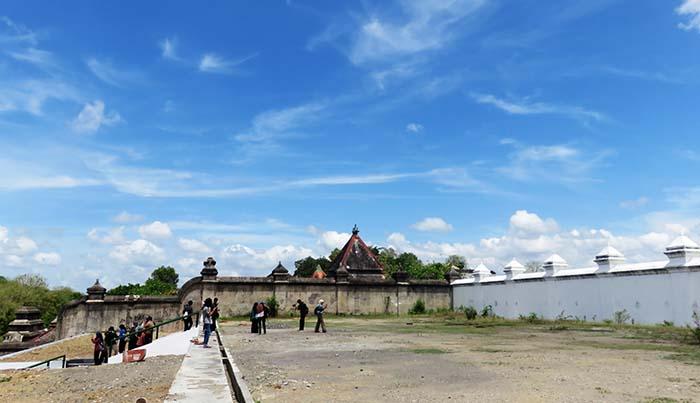 Bagian Atas Calon Makam Sri Sultan Hamengkubuwono X
