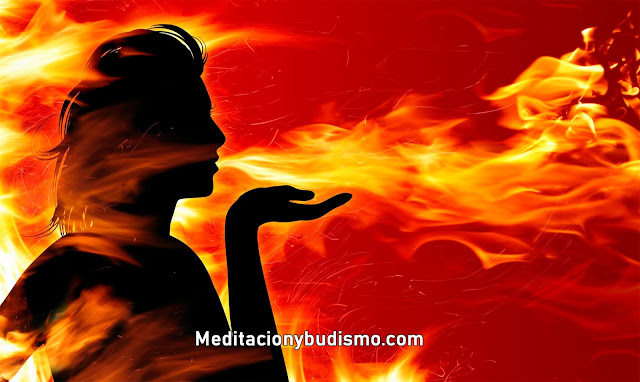 Arte adivinatoria por medio del fuego - Piromancia