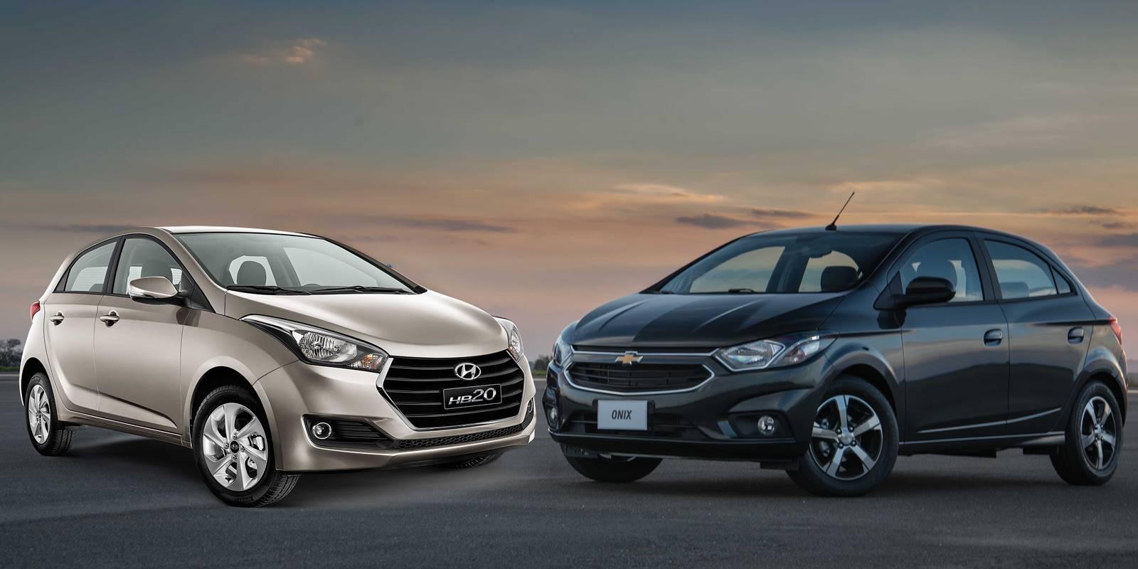 3900211545952 Onix 2017 x Hyundai HB20  consumo e preço - comparativo   CAR.BLOG.BR