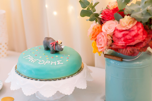 pastel jungle party, birthday cake, rhino cake, pastel flowers