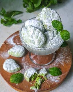 Ide Resep Masak Kue Pandan Snow Ball Cookies (Putri Salju Pandan)