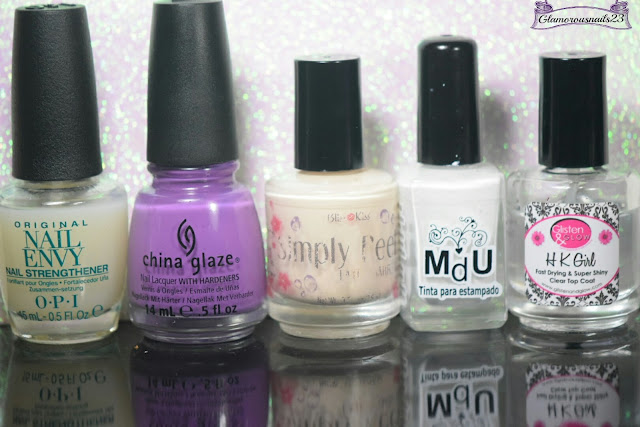 O.P.I Original Nail Envy, China Glaze Spontaneous, Bliss Kiss Simply Peel Latex Barrier, Mundo De Unas White, Glisten & Glow HK Girl Fast Drying Top Coat