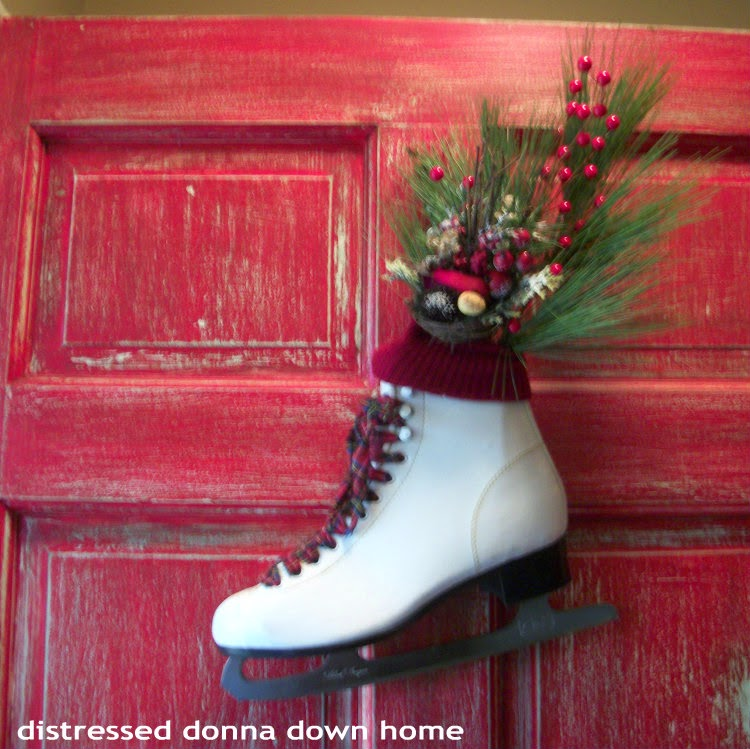 using ice skates for door decor, Christmas