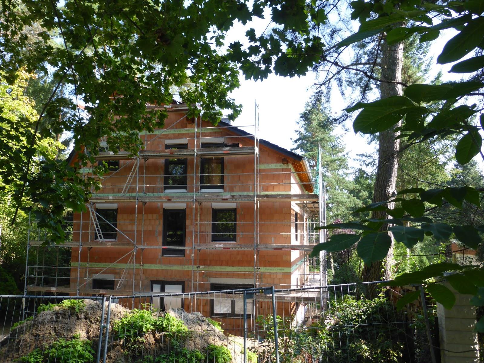 fenster und t ren eingebaut dach gedeckt hausbau in berlin kladow. Black Bedroom Furniture Sets. Home Design Ideas