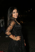 Sakshi Agarwal looks stunning in all black gown at 64th Jio Filmfare Awards South ~  Exclusive 148.JPG