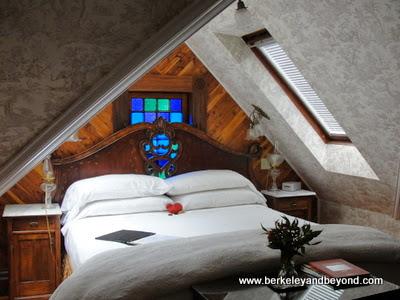 guest room at Grape Leaf Inn in Healdsburg, California