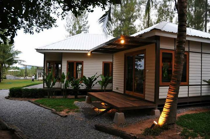 These houses consist of 1 bedroom, 1 bathroom, kitchen and a living room. The construction budget of 800,000 Baht below (25,000 USD). These are suitable for small family living.
