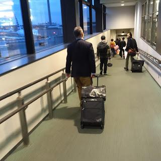 2016-04-12:5レグ JAL735 東京・成田 - 香港 ビジネスクラス