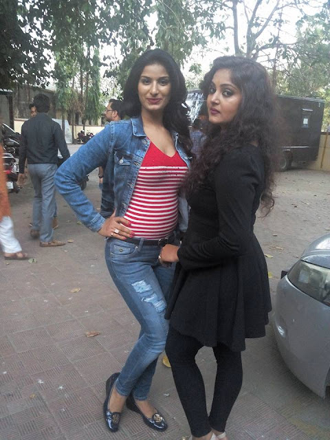 Anjana Singh & Poonam Dubey Son Of Bihar Movie Muhurat Photo